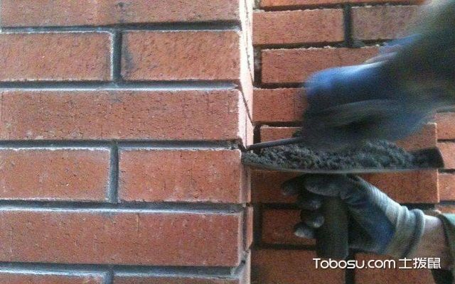 文化砖人工勾缝流程清扫
