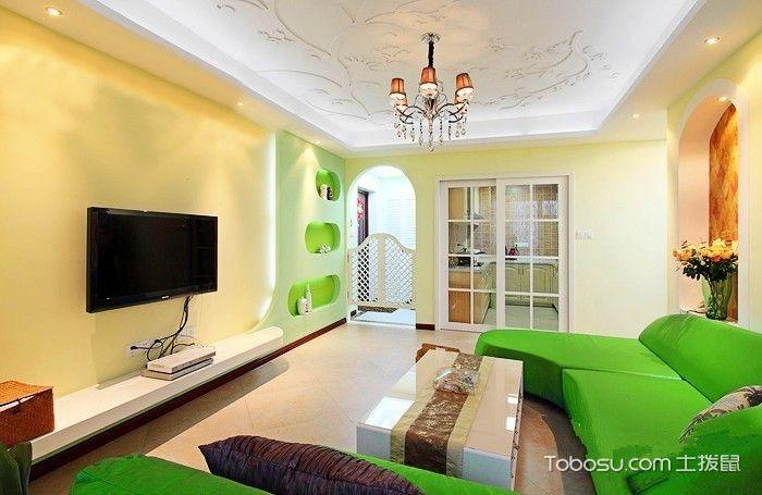 30平米客厅黄色墙面绿色沙发_土拨鼠装修经验