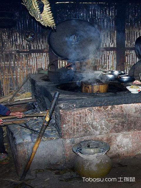 现代厨房和农村柴火灶之传统柴火灶