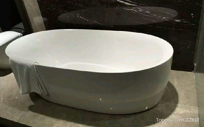 科勒铸铁浴缸安装