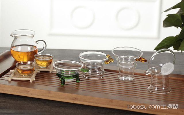 如何选购玻璃茶具之清除茶垢