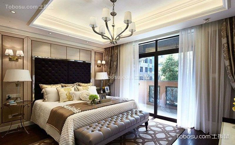 带阳台的卧室装修图,生活应该多些情趣