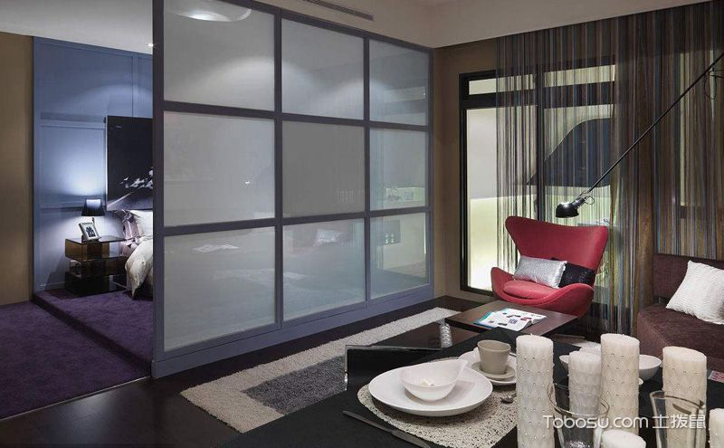 小户型客厅卧室隔断装潢图,有层次感的空间