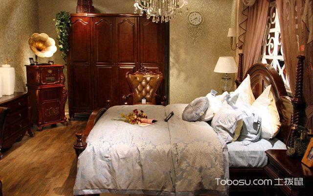 装修地板好还是瓷砖好卧室