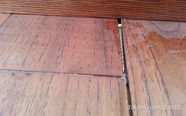 地板有裂缝怎么办