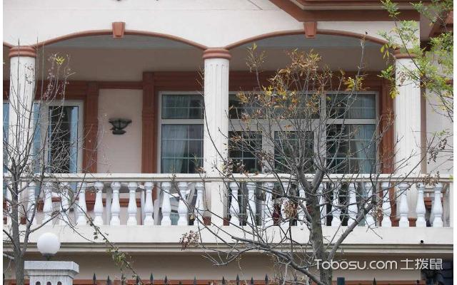 别墅阳台栏杆安装有什么方法呢