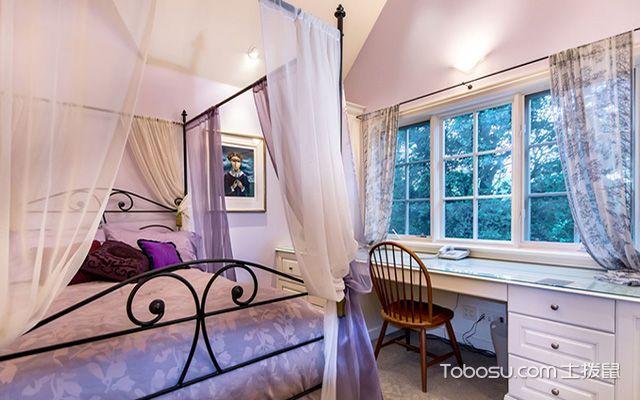 卧带飘窗装修设计图之书桌