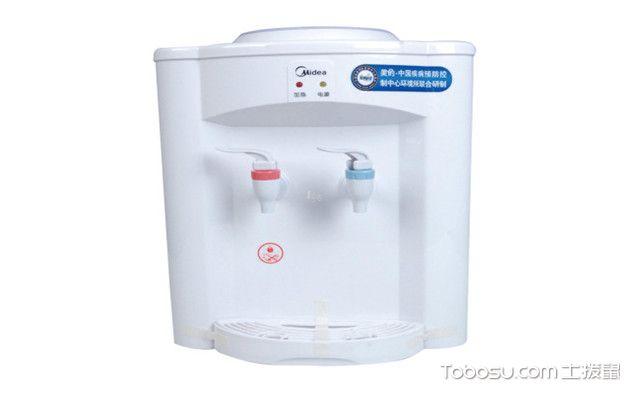 饮水机正确使用步骤之桶装水去除外包装