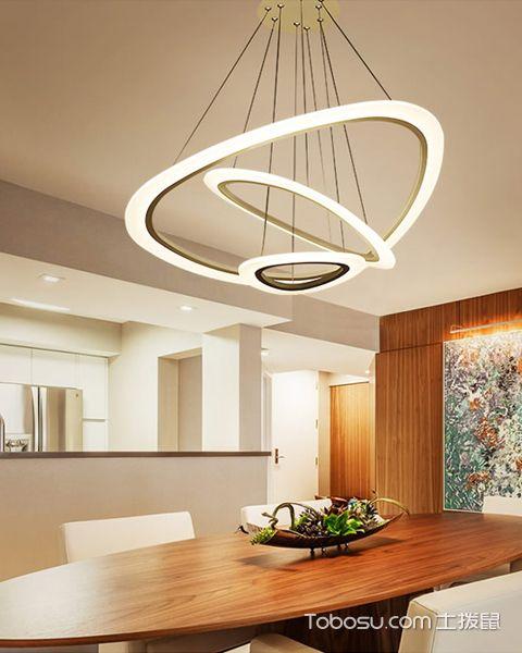 2018现代餐厅吊灯装修设计图片