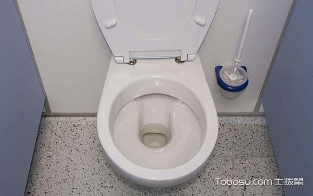 马桶后面漏水怎么办—案例图2