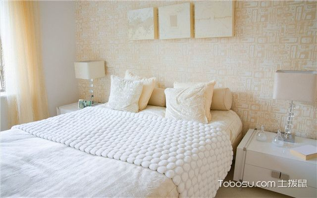小户型温馨卧室装修效果图案例二
