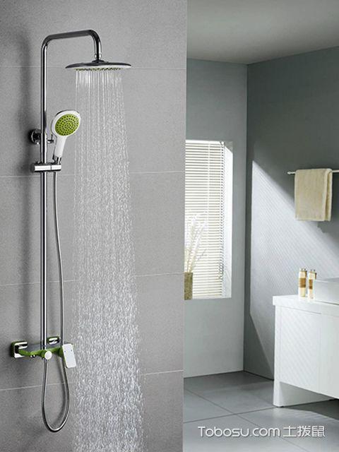 卫生间淋浴花洒不出水怎么办之用细针刺通喷头孔