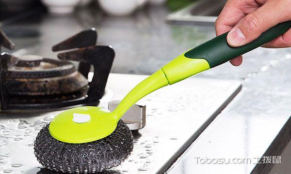 厨房油渍怎么清洗之燃气灶油污