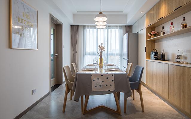 三室两厅装修案例—餐厅