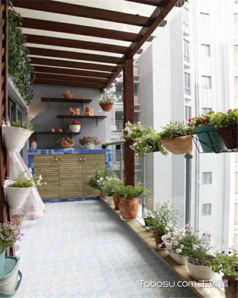 设计阳台花园有哪些原则之铺设泥土