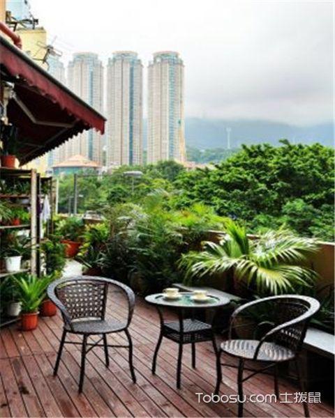 设计阳台花园有哪些原则之选择装饰
