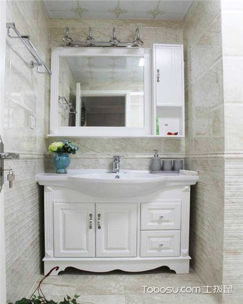 浴室柜使用有哪些注意事项之材质选择