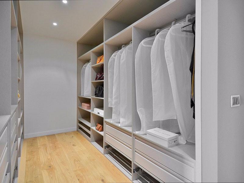 如何合理利用衣帽间的空间