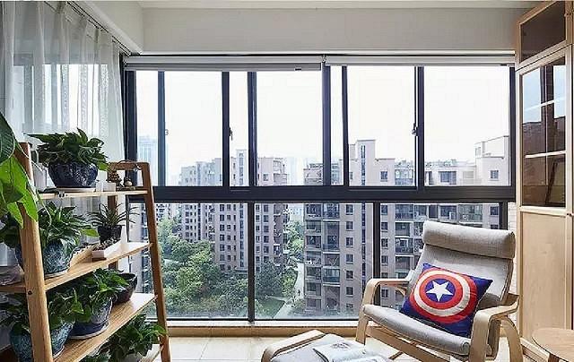 87㎡小三居,把阳台隔断留了5平作多功能休闲区