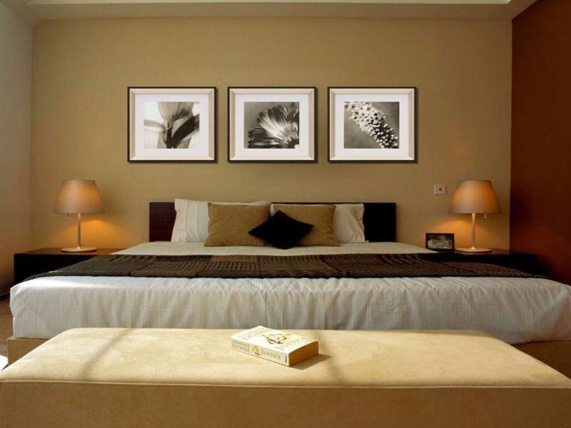 卧室床头挂什么画好?