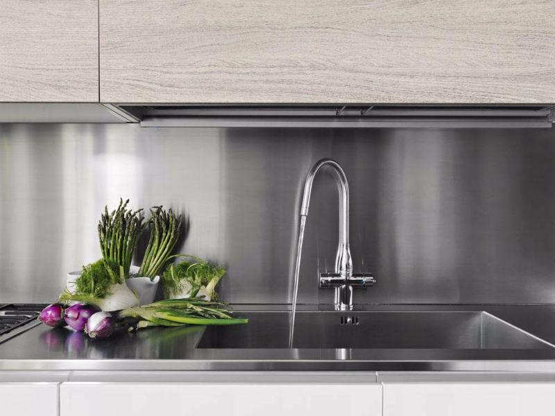 厨房水槽漏水该如何是好?