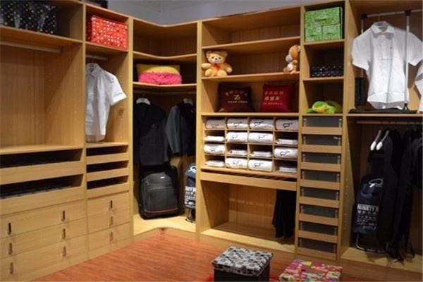 卧室衣柜遇转角别烦恼,四种转角设计来帮忙