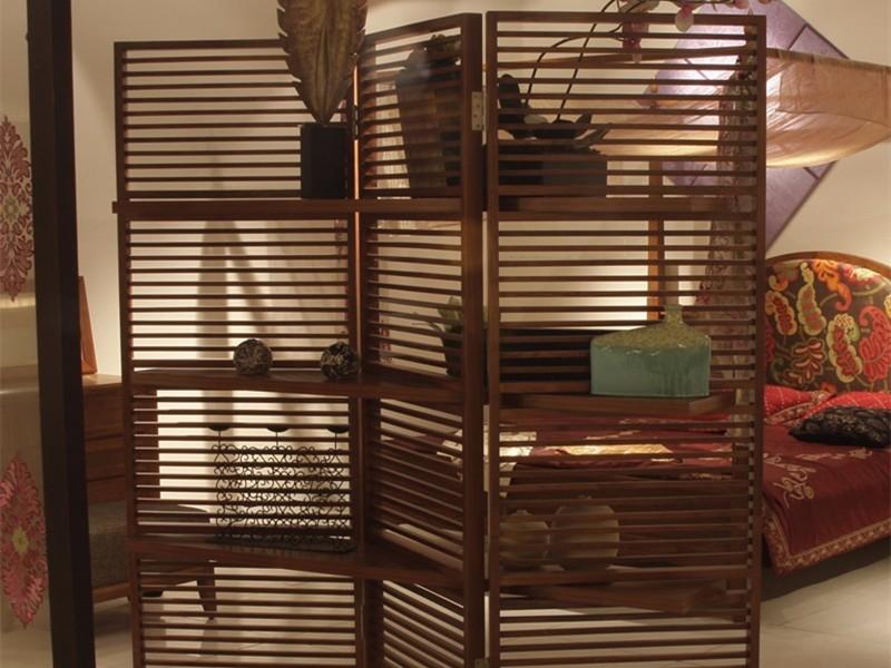 木屏风隔断,美化你的居室环境