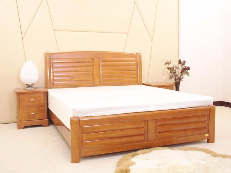 商家一般不肯说,实木床哪种木材好?