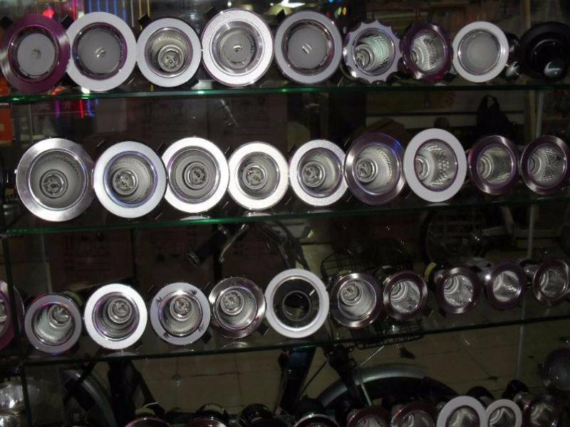 防水筒灯和射灯的区别