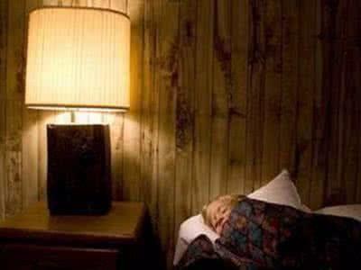 卧室里哪些因素影响睡眠?学会这些越睡越健康