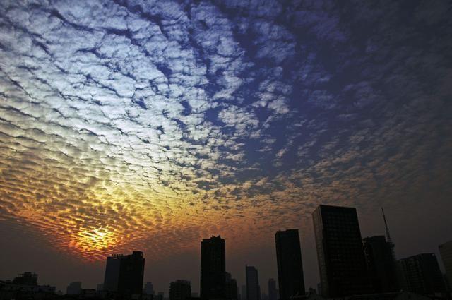 高层建筑避震三大策略及自救方法