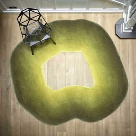 地面太单调,一张创意地毯来弥补