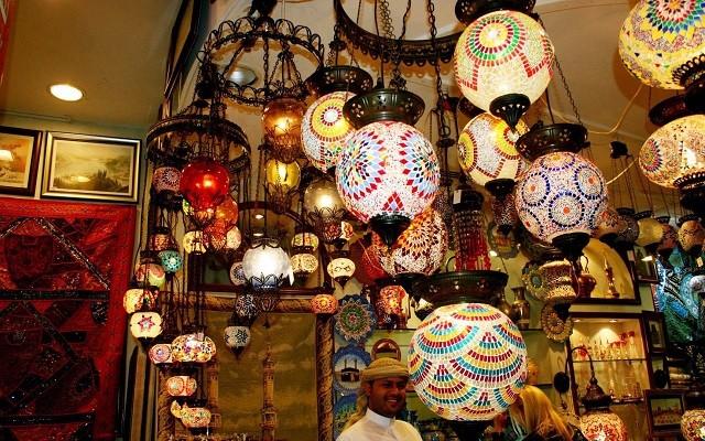 灯具店装修效果图,灯具店的灯饰该如何放置?