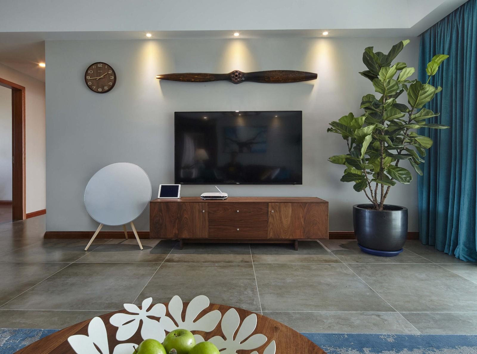 114平现代风格三居室装修效果图