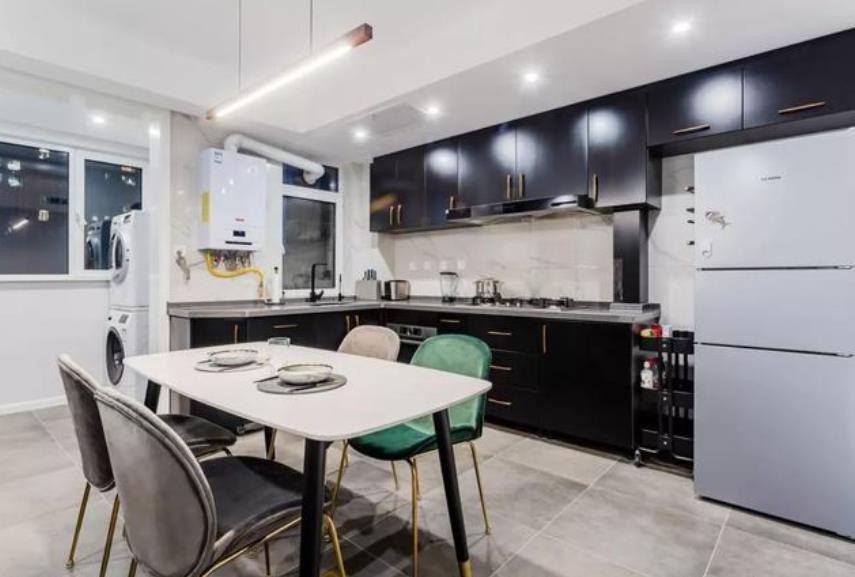120平米现代简约三居室