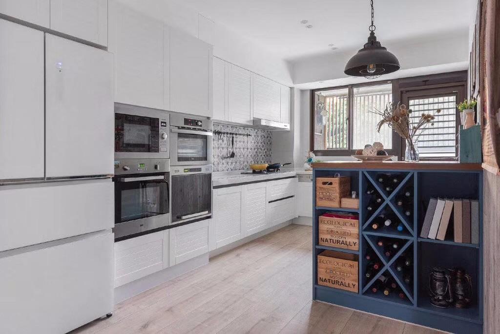 2020乡村厨房装修图 2020乡村橱柜装修效果图片