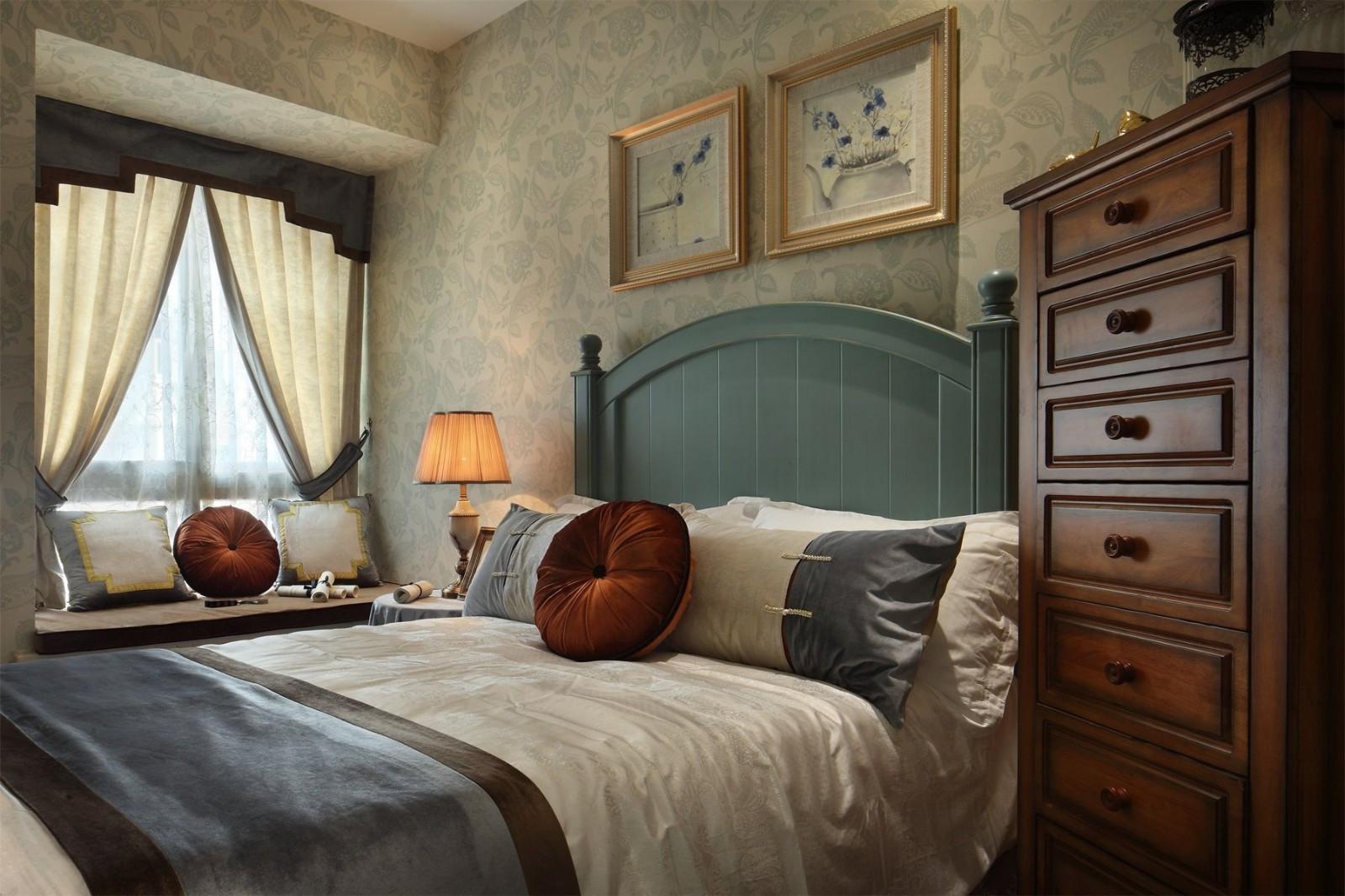 2019法式卧室装修设计图片 2019法式床头柜装修设计图片