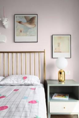 2019美式卧室装修设计图片 2019美式床头柜装修设计图片