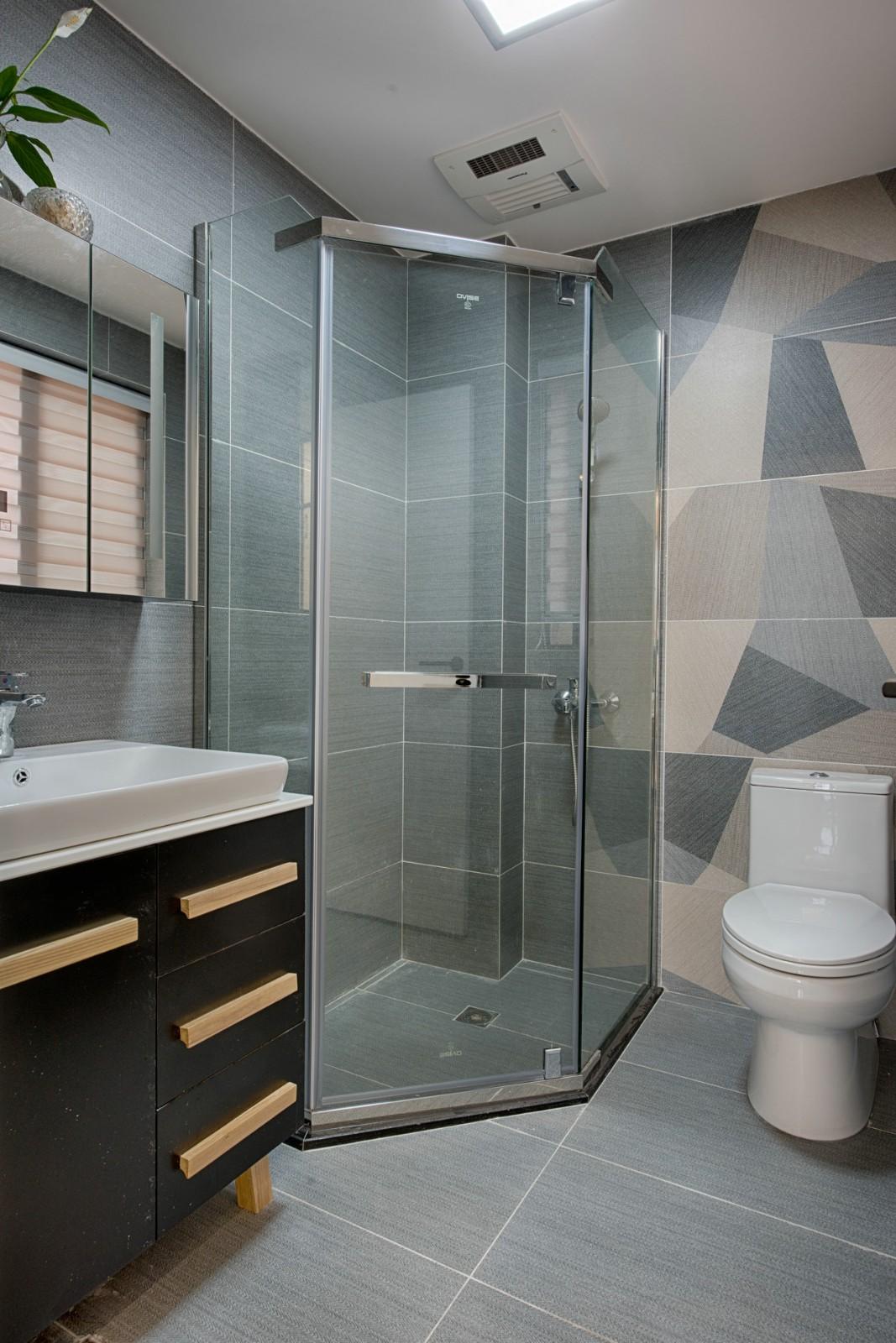 2020现代卫生间装修图片 2020现代淋浴房装修设计图片