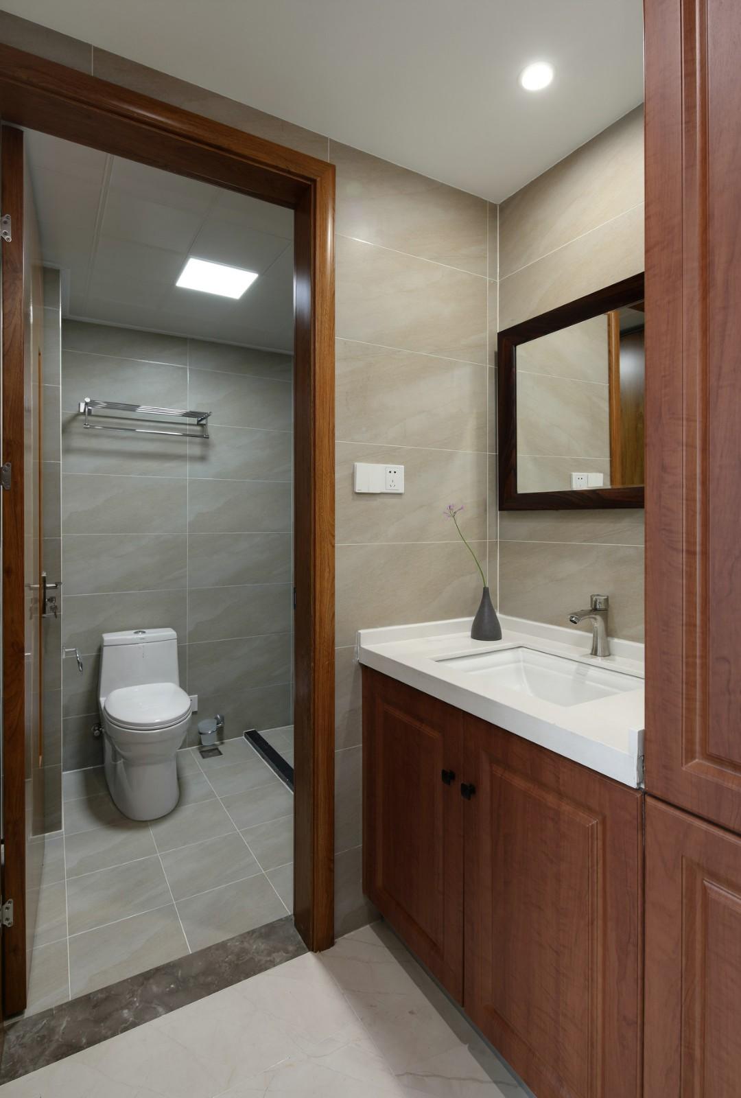 2020新中式卫生间装修图片 2020新中式浴室柜装修图片