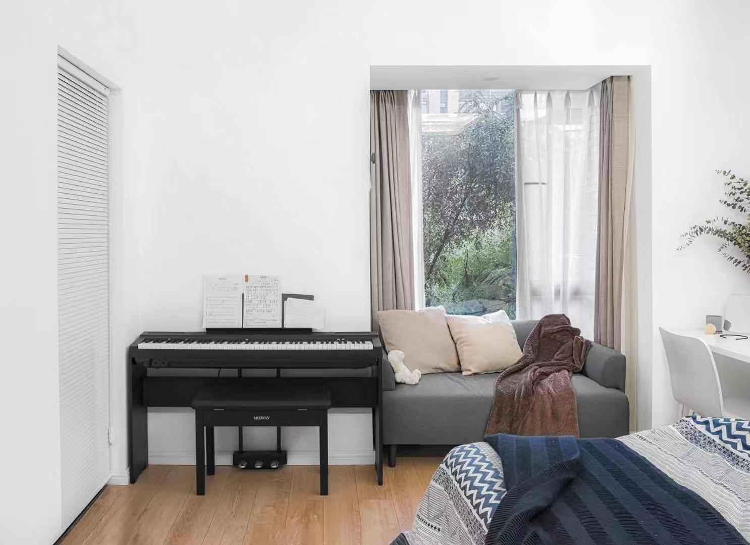 2020现代简约卧室装修设计图片 2020现代简约飘窗图片