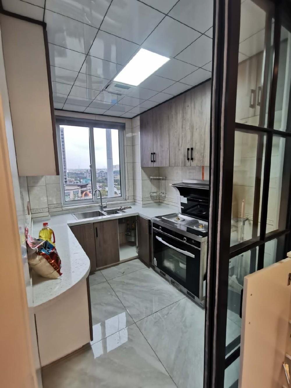 2020簡約廚房裝修圖 2020簡約地板磚裝修設計圖片