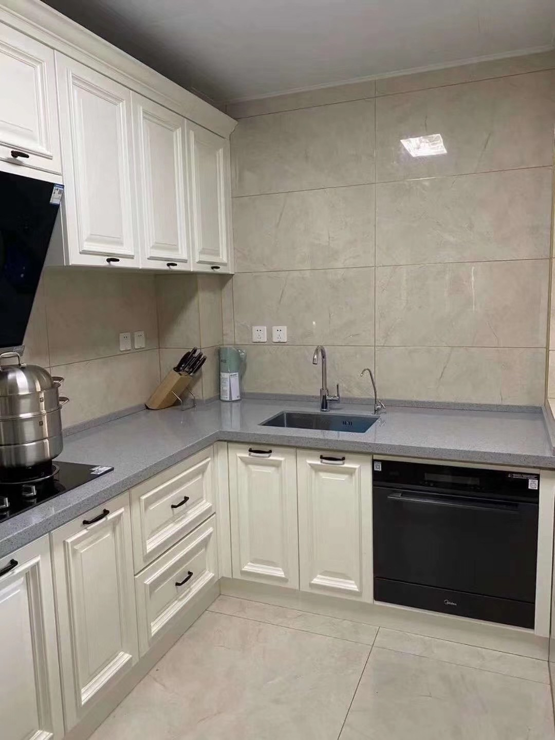 2020美式厨房装修图 2020美式灶台装修图片