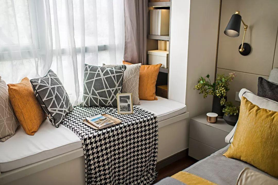 2020现代卧室装修设计图片 2020现代飘窗图片