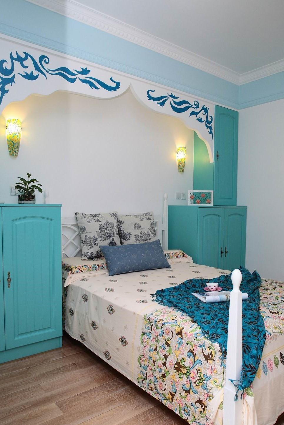 2020地中海卧室装修设计图片 2020地中海床头柜装修设计图片