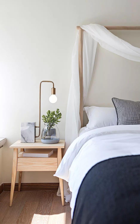 2020简欧卧室装修设计图片 2020简欧床头柜装修设计图片
