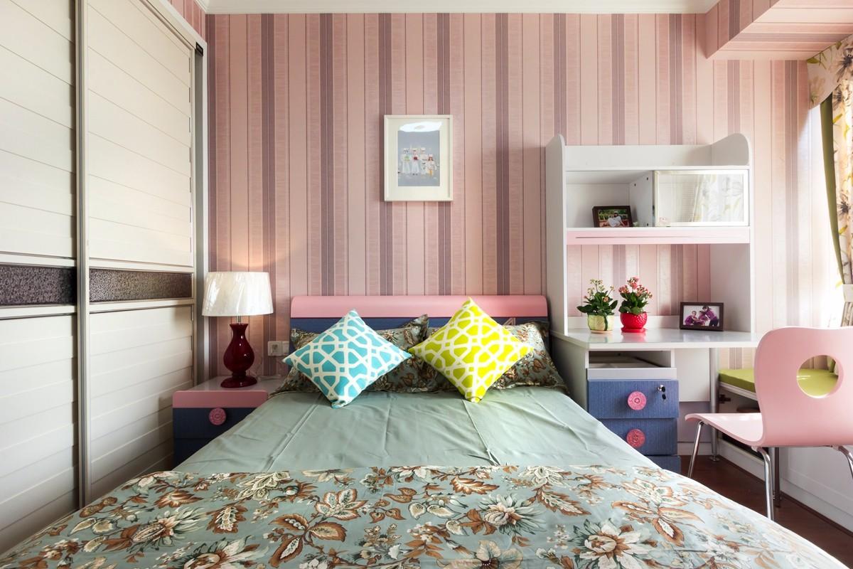 2020现代简约卧室装修设计图片 2020现代简约衣柜装修效果图片