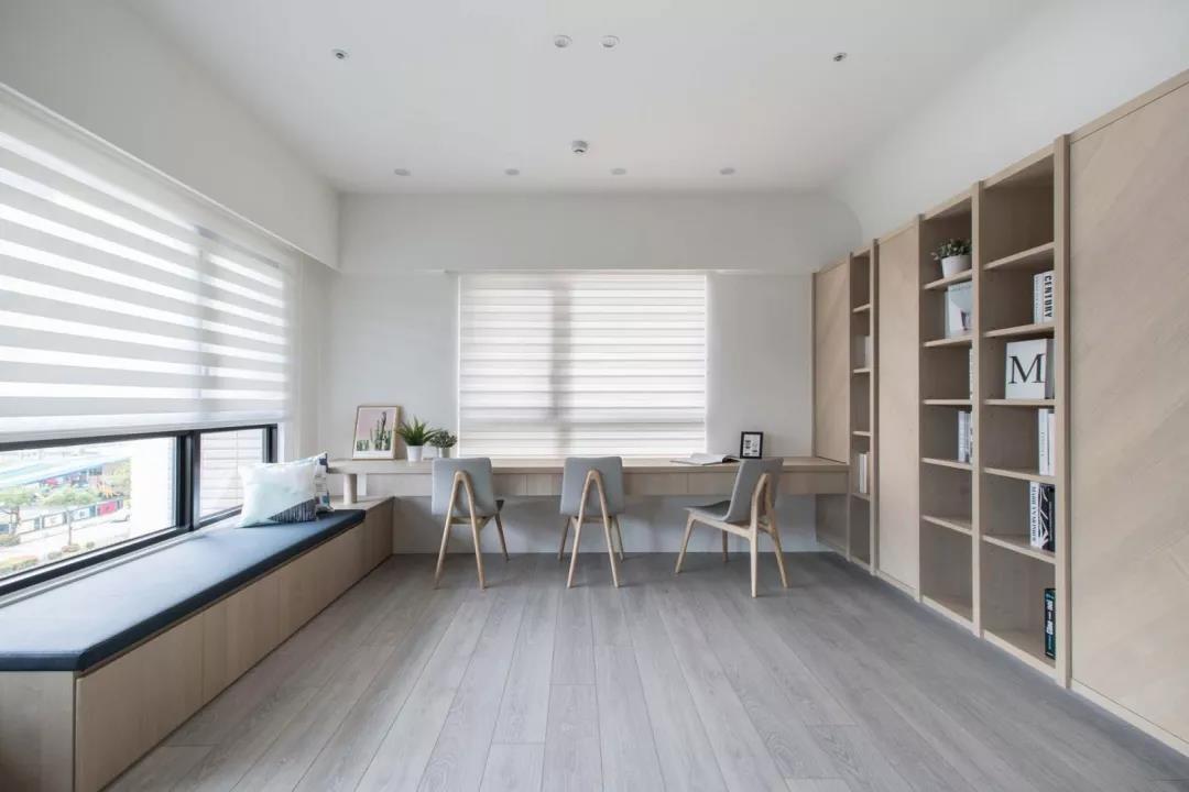 2021简约起居室装修设计 2021简约飘窗装修效果图片