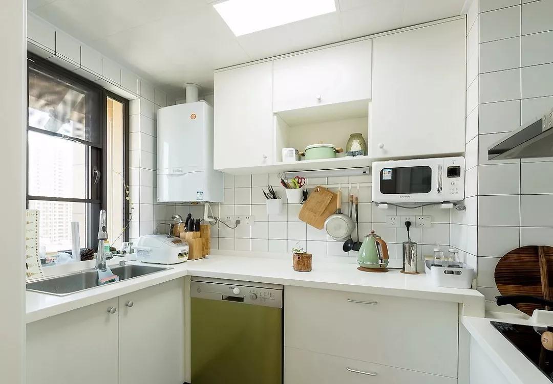 2021简中厨房装修图 2021简中橱柜装修效果图片