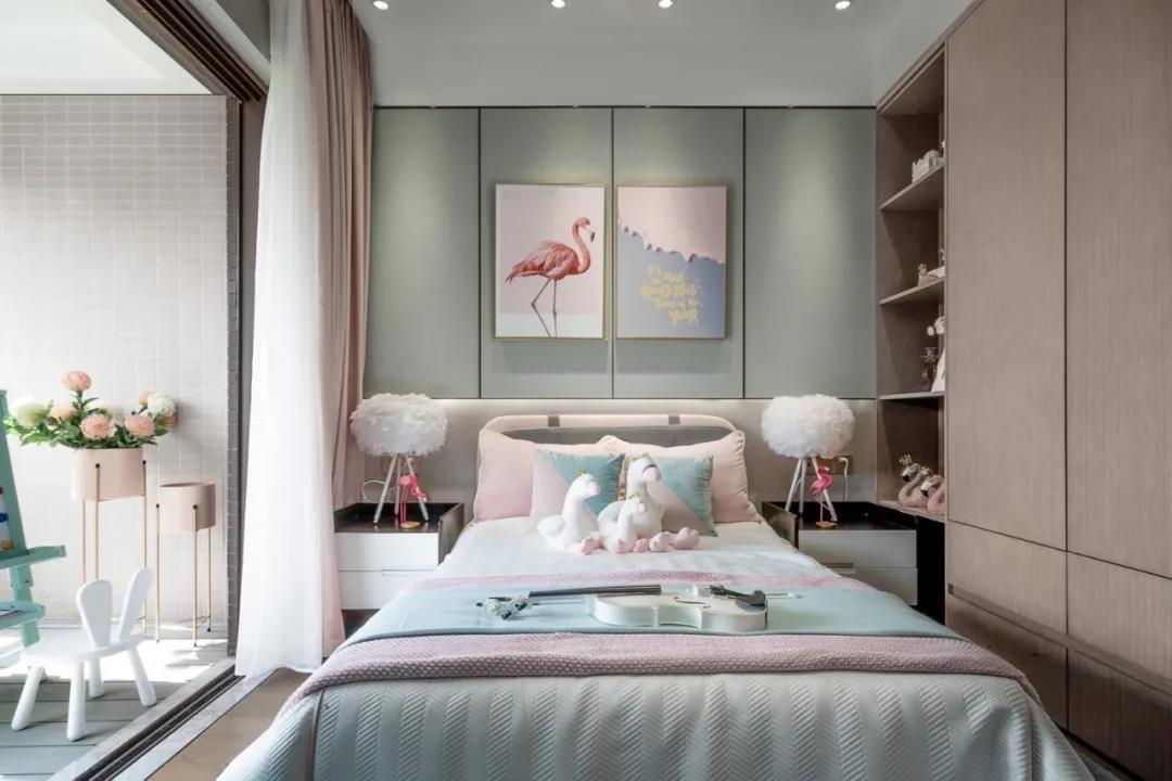 2021简欧卧室装修设计图片 2021简欧隐形门装饰设计